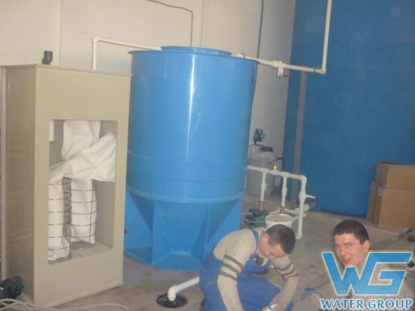 Монтаж оборудования из пластика для системы очистки воды