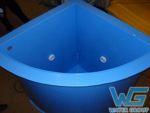 Угловая купель из пластика в баню