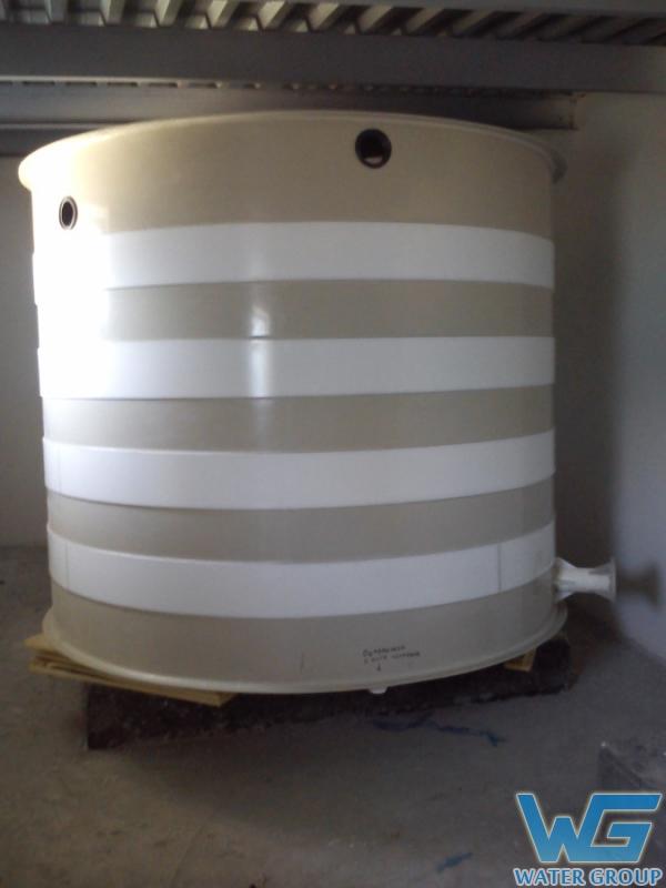 Емкость из пластика для хранения запаса воды