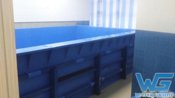 Бассейн из пластика, изготовленный по месту