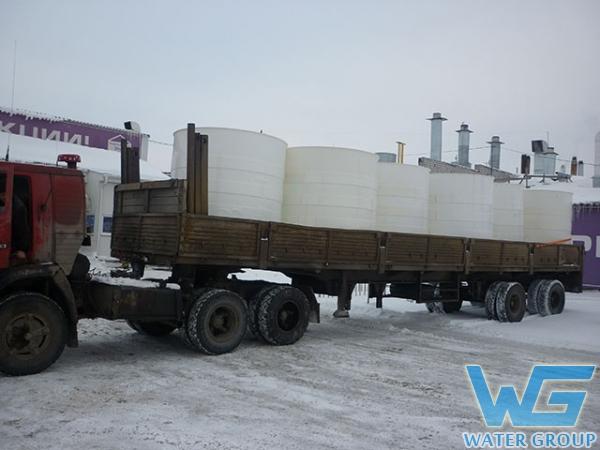 Транспортировка емкостей из пластика для хранения пожарного запаса воды